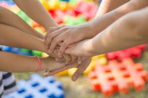 vereinte Haende fuer den Kinderschutz